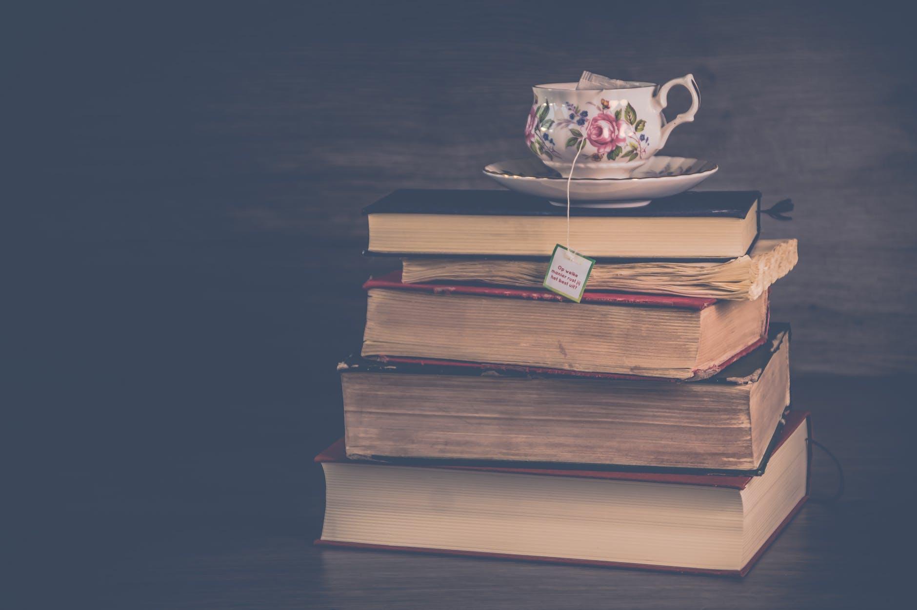 brouiller livres papier pile
