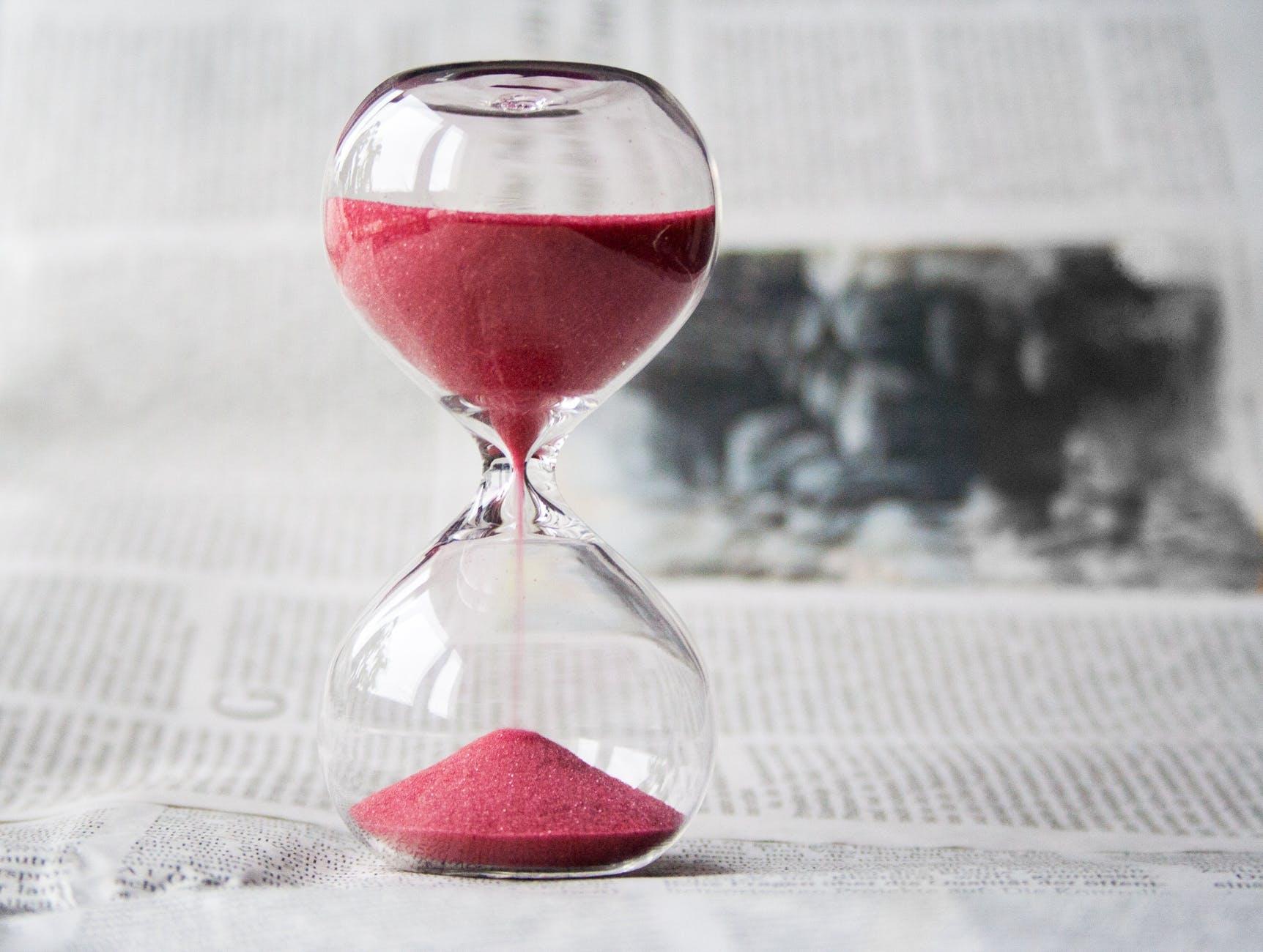 chronologie compte a rebours couleur gros plan